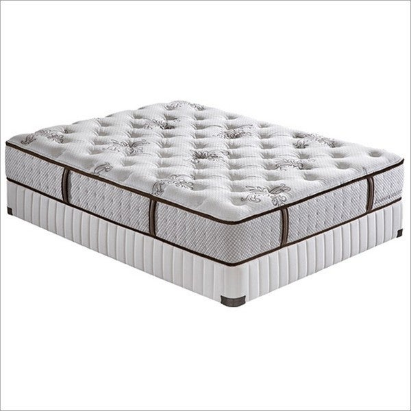 Stearns and Foster 14-inch California King-size Jacalyn Plush Pocketed Coil Mattress Set
