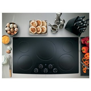 GE CleanDesign 36 Inch Electric Cooktop