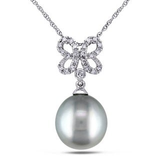 Miadora 10k White Gold Tahitian Platinum Pearl 1/10ct TDW Diamond Butterfly Necklace (G-H, I2-I3) (9.5-10 mm)
