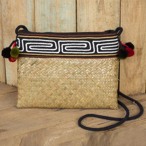 Natural Fibers Cotton 'Akha Wonder' Shoulder Bag (Thailand)