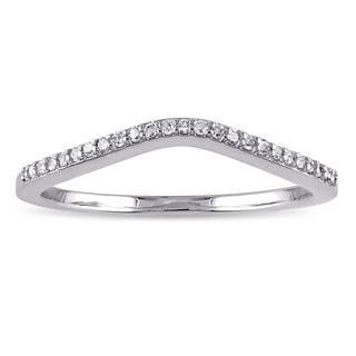 Miadora 10k White Gold 1/10ct TDW Diamond Curved Wedding Band (G-H, I2-I3)