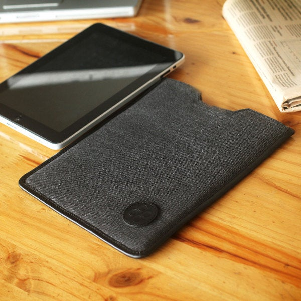 Cotton Leather Accent 'Chiclayo on the Go' Tablet Sleeve (Peru)