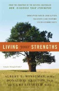 Living Your Strengths: Discover Your God-given Talents And Inspire Your Community (Hardcover)
