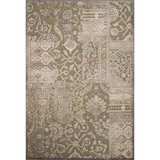 Machine Made Oriental Pattern Turf green/Oyster white Chenille (5.3x7.8) Rug