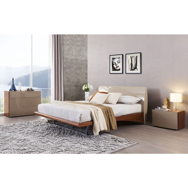 Monaco Champagne Walnut Platform Bed Night Stand Set Overstock Shopping Great Deals On