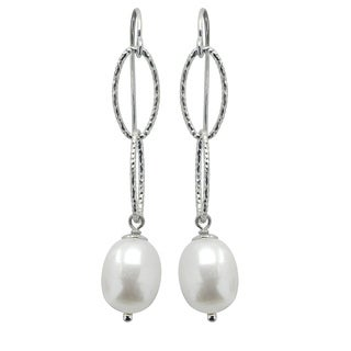 Sterling Silver White Freshwater Pearl Texured Oval Link Earrings (8.5-9 mm)