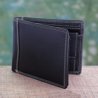 Handcrafted Men's Leather 'Suave Black' Wallet (India)