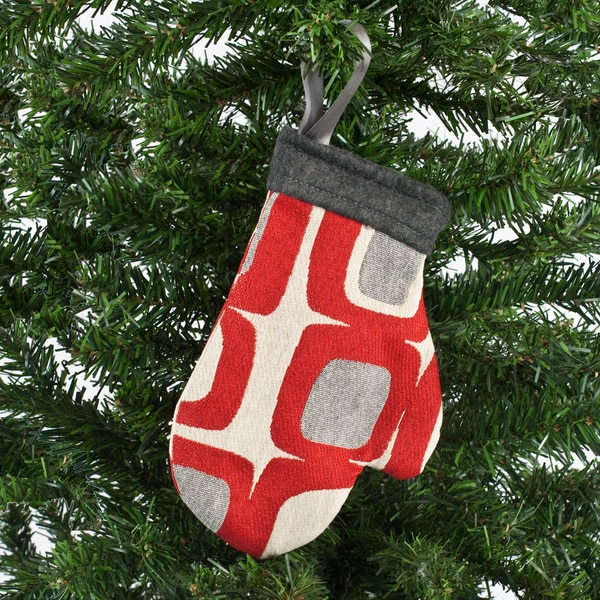 Gaudi Living Mitten Ornament
