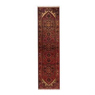 Herat Oriental Indo Hand-knotted Heriz Red/ Ivory Wool Rug (2'7 x 10')