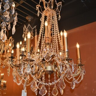 Windsor Collection 9-light French Gold Finish and Clear Crystal 2-tier Chandelier