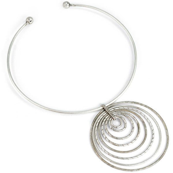 Sweet Romance Pewter 1970s Retro Circle Necklace