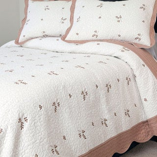 Windsor Home Lelu Embroidered 3-piece Quilt Set