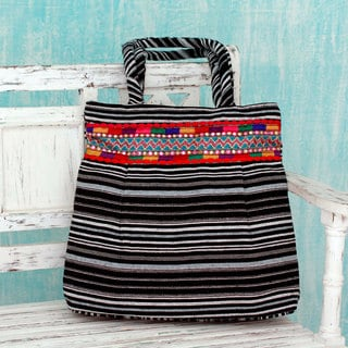 Handcrafted Cotton 'Black and White Harmony' Shoulder Bag (India)