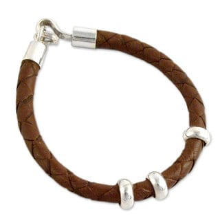 Handcrafted Men's Leather Sterling Silver 'At Hand' Bracelet (Peru)