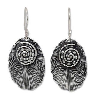 Handcrafted Sterling Silver 'Lanna Glamour' Earrings (Thailand)
