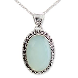 Sterling Silver 'Delhi Daydream' Chalcedony Necklace (India)