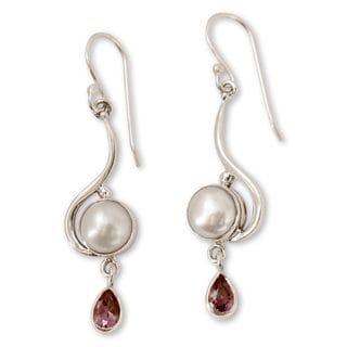 Sterling Silver 'Cloud Sonnet' Pearl Amethyst Earrings (8mm) (India)