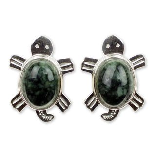 Handcrafted Sterling Silver 'Marine Turtles' Jade Earrings (Guatemala)