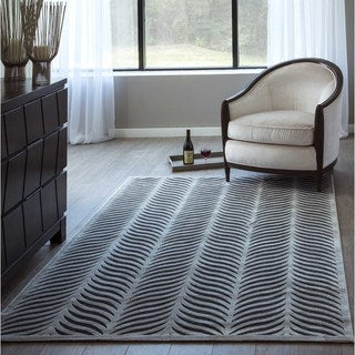 "Luxe Silver Leaf Machine-Made Rug (7'10""x10'6"")"