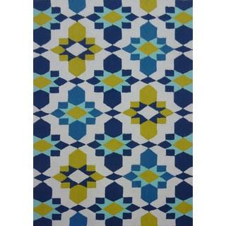 Blue Geometric Outdoor Rug (5' x 7')
