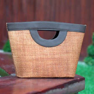 Handcrafted Buriti Palm 'Riveting Rio' Tote Bag (Brazil)