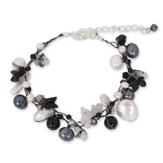 Pearl 'Sweet Sophistication' Quartz Bracelet (12 mm) (Thailand)