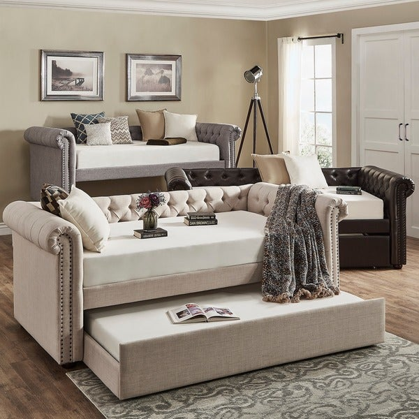 SIGNAL HILLS Knightsbridge Tufted Scroll Arm Chesterfield Daybed and Trundle