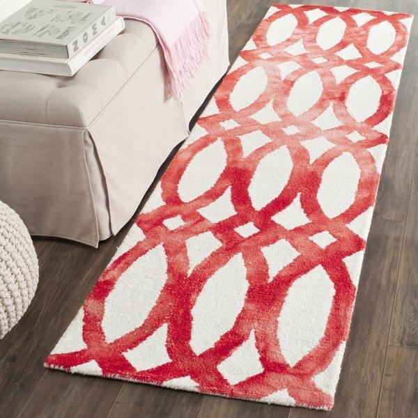 Safavieh Hand-Tufted Dip Dye Ivory/ Red Wool Rug (2'3 x 6')