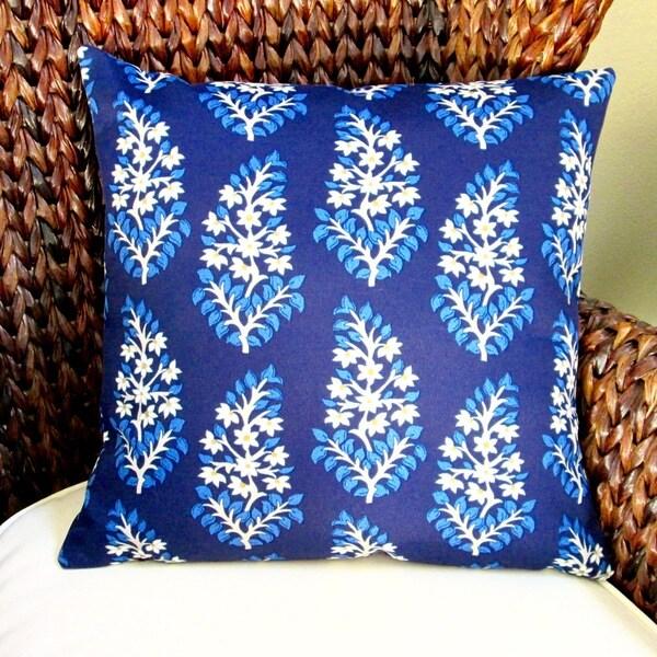 Artisan Pillows Outdoor 18-inch Medium Blue and Navy Blue Modern Contemporary Floral Throw Pillow (Set of 2)