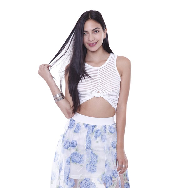 Juniors' White Stripped Sleeveless Crop Top With Knot