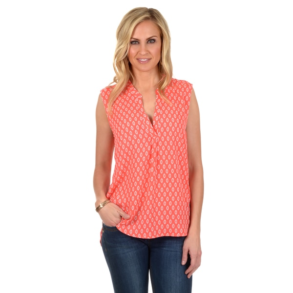 Journee Collection Women's Sleeveless Printed V-neck Top