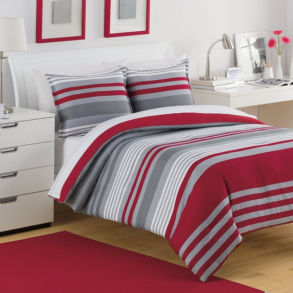 IZOD Engineered Stripe 3-piece Quilt