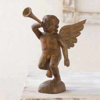 Handcrafted Pine Wood 'Angelic Trumpeteer' Statuette (Guatemala)