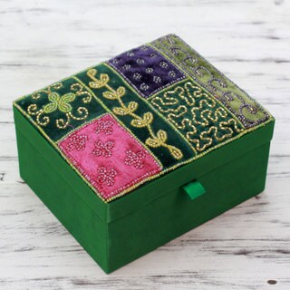 Handcrafted Embellished 'Emerald Garden' Jewelry Box (India)