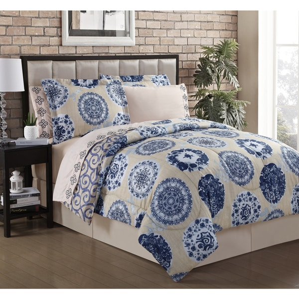 Sabina King Blue 8-piece Bed in a Bag with Embroidered Sheets (As Is Item)