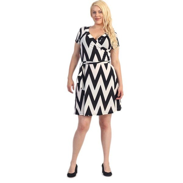 Women's Plus Size White/ Black Chevron Flare Dress