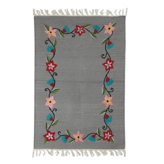 Handcrafted Cotton 'Daisy Garland on Grey' Rug 2x3 (India)