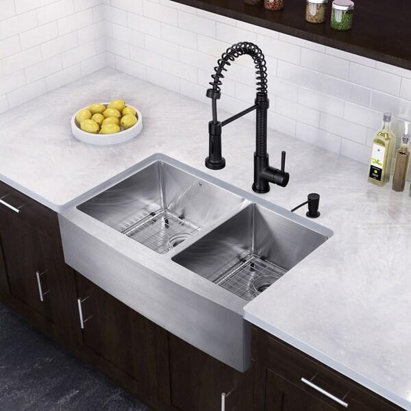 VIGO 33-inch Farmhouse Stainless Steel 16 Gauge Double Bowl Kitchen Sink and Edison Matte Black Pull-Down Spray Kitchen Faucet