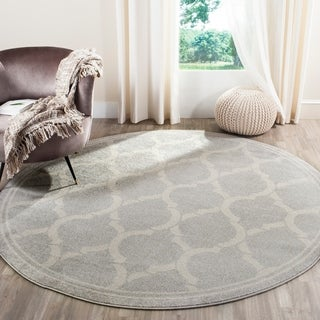 Safavieh Indoor/ Outdoor Amherst Light Grey/ Ivory Rug (7' Round)