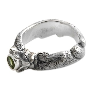 Men's Sterling Silver 'Dreams of a Cat' Peridot Ring (Indonesia)