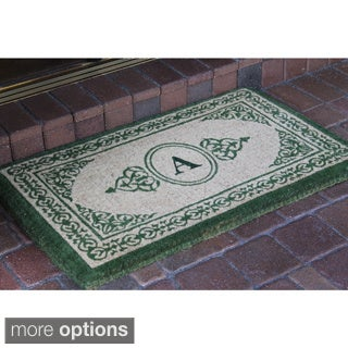 Hand-crafted Green Filigree Decorative Border Monogrammed Extra-thick Doormat (1'10 x 3')