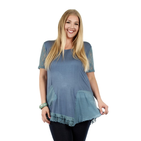 Women's Plus Size Short Sleeve Turquoise Tunic with Pocket and Lace Sleeve