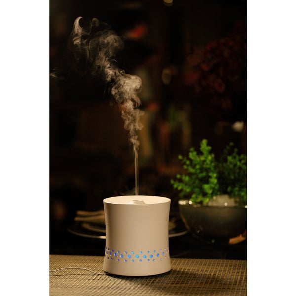 SPT Ceramic Ultrasonic White Aroma Diffuser/ Humidifier 15700725