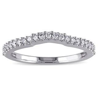Miadora 14k White Gold 1/4ct TDW Diamond Contour Wedding Band (G-H, VS1-VS2)