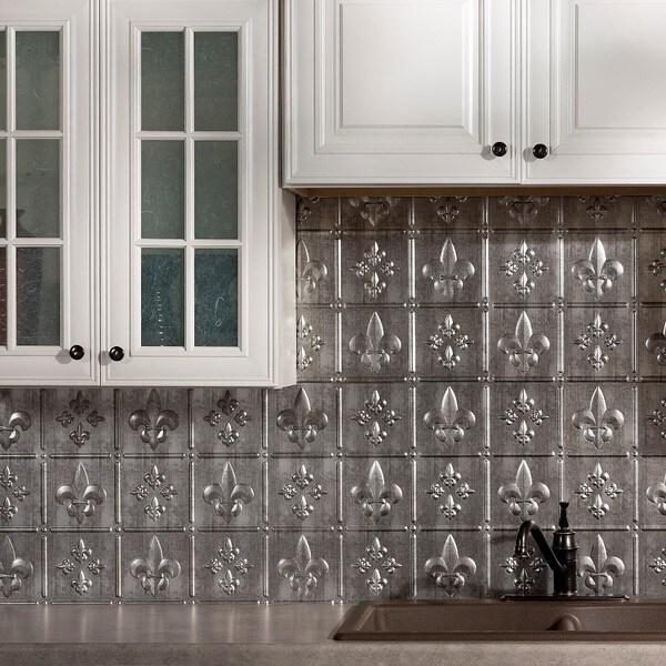 Fasade Fleur de Lis Crosshatch Silver 18-square Foot Backsplash Kit 15739269