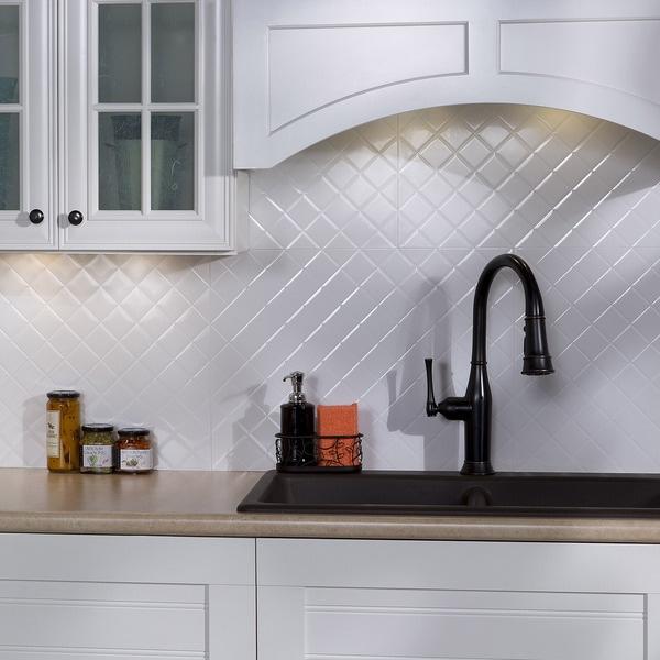 Fasade quilted gloss white 18 square foot backsplash kit for Easy kitchen backsplash kits
