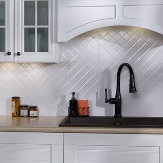 Fasade Quilted Gloss White 18-square Foot Backsplash Kit