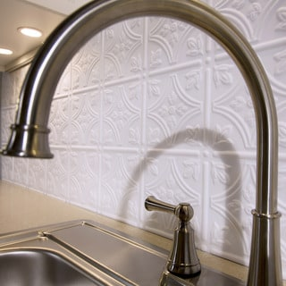 Fasade Traditional 1 Matte White 18-square Foot Backsplash Kit