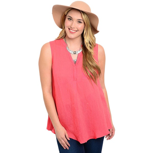 Shop the Trends Women's Plus Size Sleeveless Top with V-neckline and Single Chest Pocket