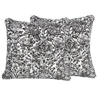 Decorative Floral Damask 18-inch Throw Pillow in Black and White (Set of 2)